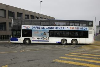 Take off with our special offer: 1 x AL24 + 1 roof area on a double-decker bus in Lausanne!